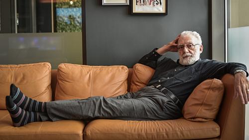 """""""Az igazi beszélgetés az, amiben az igazság megmutatja magát"""" – Feldmár András 80 éves"""